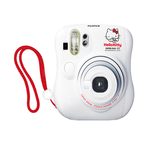 FujiFilm-Hello-Kitty-Instax