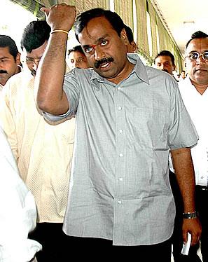 Karnataka Minister Offers Crown Worth Rs 45 Crore To Lord Timmappa ...