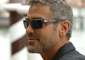 Clooney 'to move in with new cocktail-waitress lover'