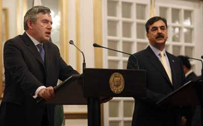 Brown, Gilani resolve to jointly fight against terrorism