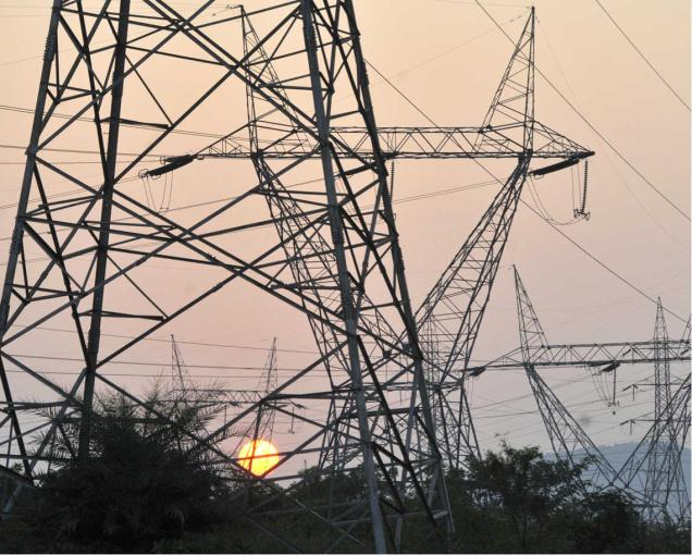 northern grid failure Theories for the extraordinarily extensive blackout across much of northern india included excessive demands placed on the grid from certain regions, due in part to low monsoon rains that forced farmers to pump more water to their fields, and the less plausible possibility that large solar flares had set off a failure.