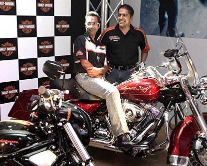 [Image: Harley-Davidson-Brings.jpg]