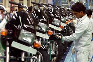 Two-wheelers slide on inventory concerns