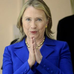 Clinton to stress sustainable development