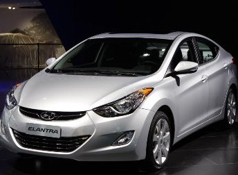 "US safety regulators expand Hyundai Elantra ""severed ear"" air bag probe"