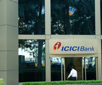 Sell ICICI Bank With Stop Loss Of Rs 1170