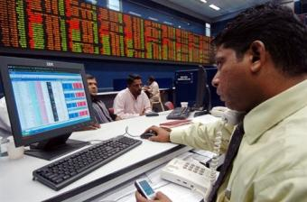 Indian Market Closes Lower; Larsen and HDFC Slip