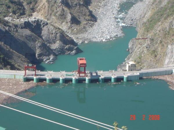 external image Indian-dam-project.jpg