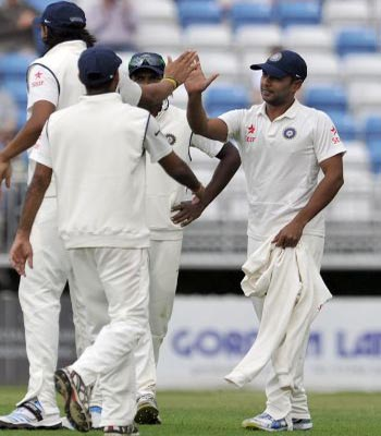 Indian bowlers struggle as Derbyshire pile up 326/5