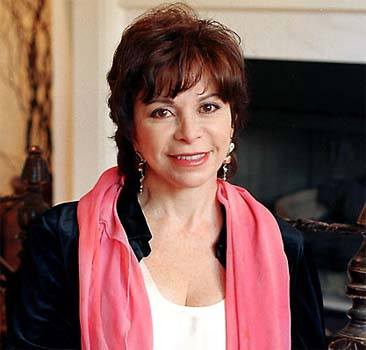 Isabel Allende promises to write erotic novel when her mother dies