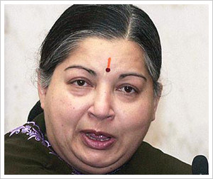Jayalalithaa demands 'deeper' probe into spectrum scam