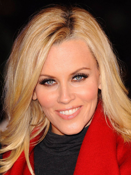 Jenny McCarthy defends her stand on being pro-vaccines