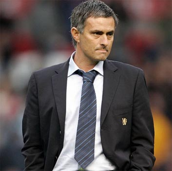 Mourinho says he is ready to takeover at Man U if asked