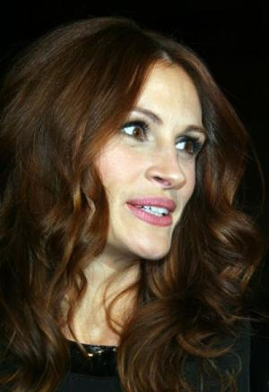 Hindu leaders happy with Julia Roberts' adoption plans