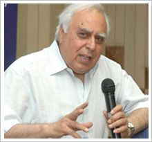 Sibal asks IITs to create quality faculties in technology