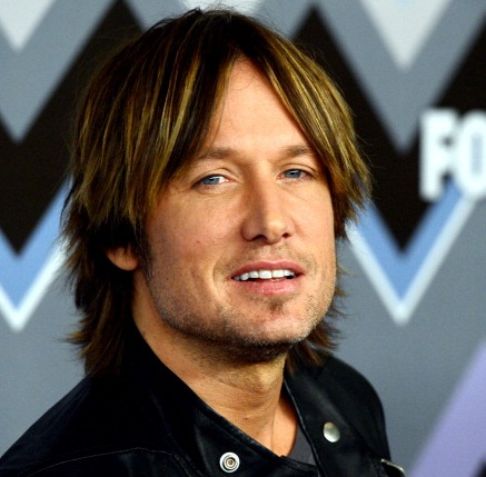 Keith Urban chops off his famous locks | TopNews