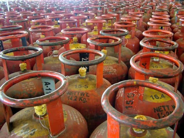 Oil companies resume giving new LPG connections in some states
