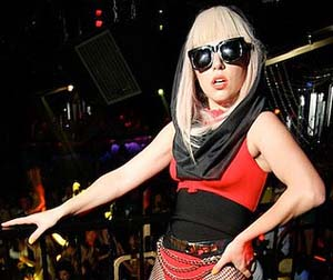 Lady GaGa's 'diva-ish' demands – non-smelly, non-sweat cheese on ice!