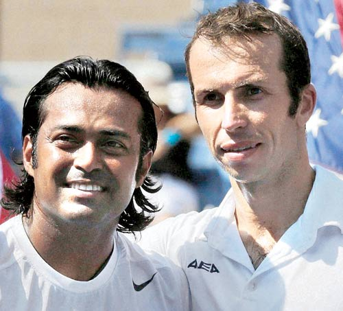 Paes-Stepanek stun Bryans, enter US Open final