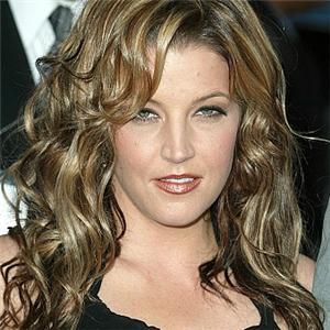 http://www.topnews.in/files/Lisa-Marie-Presley25.jpg