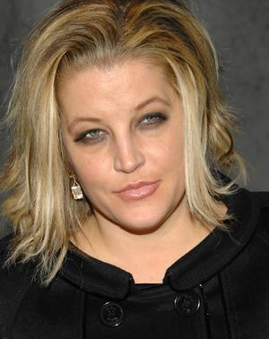 http://www.topnews.in/files/Lisa-Marie-Presley47.jpg