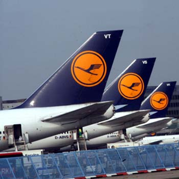 Lufthansa downsizes Austrian Airlines' units
