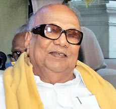 Karunanidhi supports Pranab as President