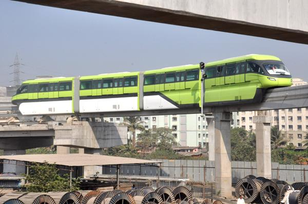 MMRDA operating Monorail service at loss of Rs 5 lakh a day