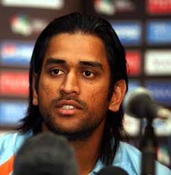 http://www.topnews.in/files/Mahendra-Singh-Dhoni.jpg