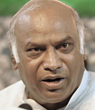 Mallikarjun Kharge expected to announce many new trains on Feb. 12