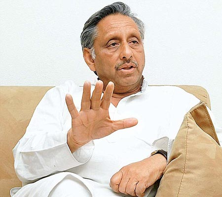 Crude oil prices will go up, says Mani Shankar Aiyar