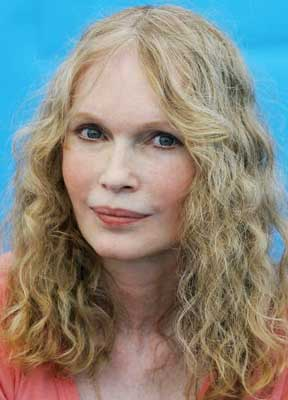 Mia Farrow vows to go on hunger strike to protest Darfur genocide