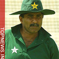 "Miandad may be offered ""more powers"" to take back resignation"