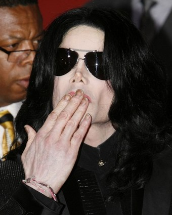 http://www.topnews.in/files/Michael-Jackson_0.jpg
