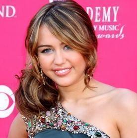 external image Miley%20Cyrus-sister-Noah.jpg