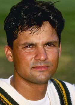 Moin Khan Full Of Praise For MSD
