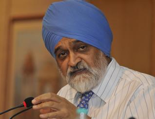 Indian economy to grow between 7.6 - 8 per cent, says Ahluwalia
