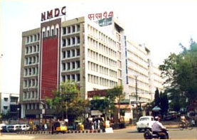 NMDC Pays Interim Dividend To Govt; Eyes Iron Ore Mines In Africa
