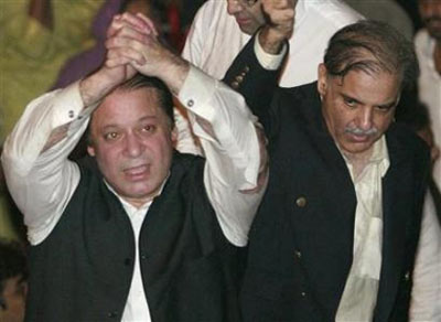 Sharif brothers have a pact with Gilani on Governor's Rule?