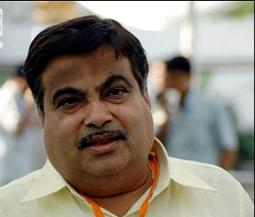 Husband's new party post wedding anniversary gift: Gadkari's wife