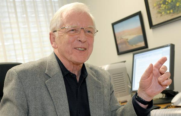 biography of harald zur hausen Francoise barre-sinoussi biography date of birth : 1947-07-30  montagnier and barré-sinoussi shared their nobel honors with harald zur hausen read more.