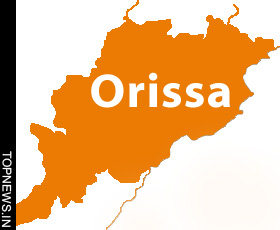 Maoists destroy two cellphone towers in Orissa
