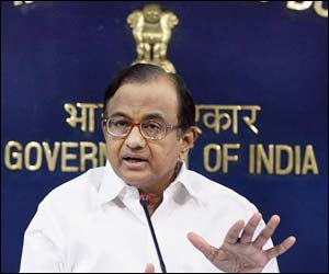 Govt. puts on hold its decision to carve out Telangana due to lack of consensus