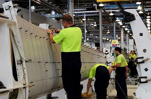 Boeing to cut 1000 jobs at Port Melbourne
