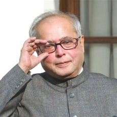 Pranab Mukherjee wants RBI to tame inflation