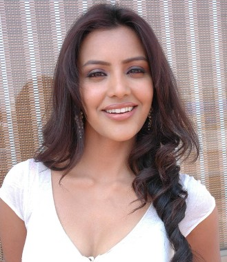 Mumbai, March 18 : Actress Priya Anand, who will be seen in Farhan