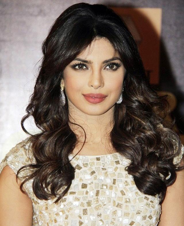 Priyanka Chopra 34 - Showbiz Pic Of The Day 7  February 2014