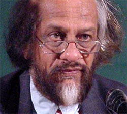 Pachauri defends govt on accord
