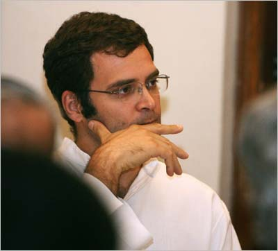 Three persons detained for stone-pelting on Rahul Gandhi''s train