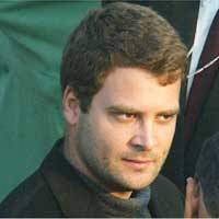 Rahul forces pilot to land chopper in zero visibility